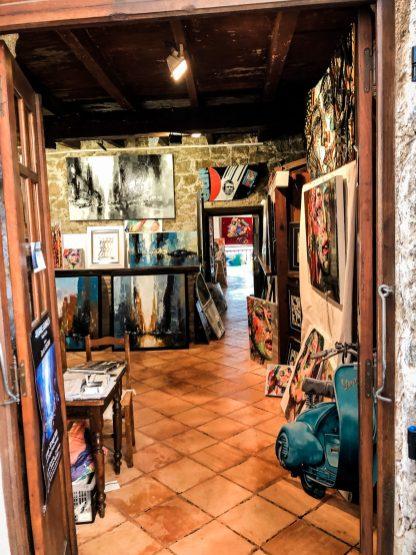 Kleine Galerie in Porto Vecchio