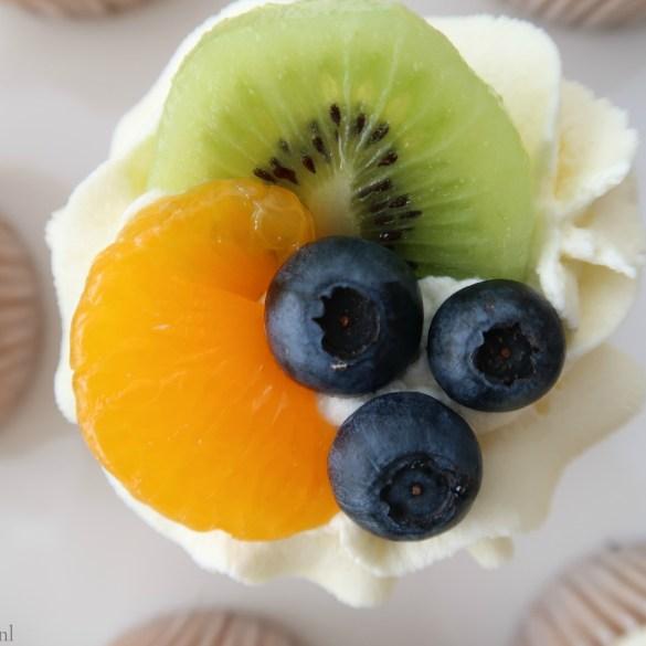 Cupcakes met vers fruit