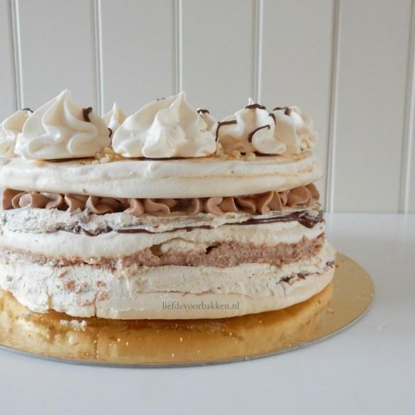 Hazelnootschuim-taart met Nutella