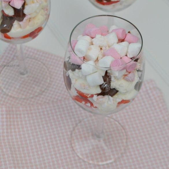 Eton Mess met marshmallows