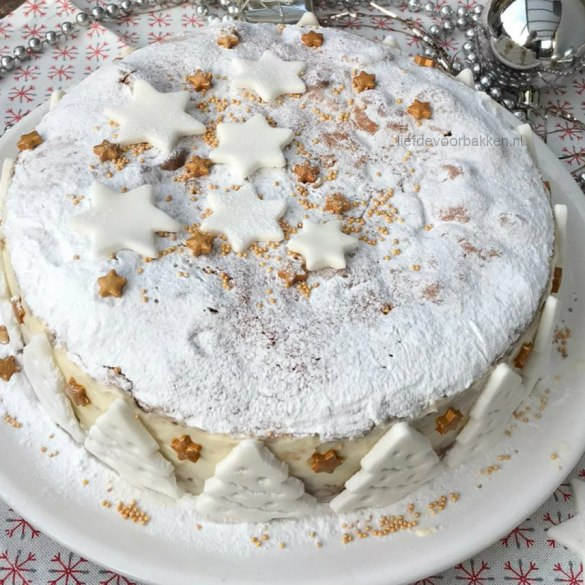 Kersttaartje met yoghurt en kersen
