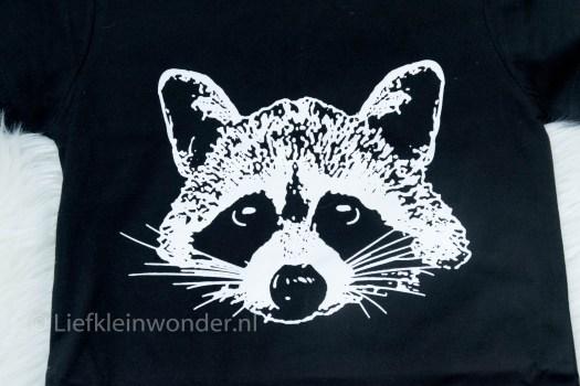 AliExpress babykleding, wasbeer kruisjes monochrome zwart wit