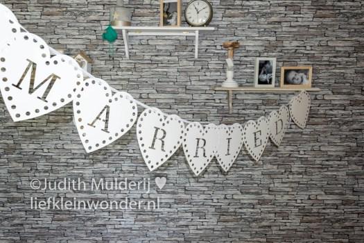 Jayden 17 maanden en 2 weken oud - bruidstaart huwelijksfeest versieringen Wibra