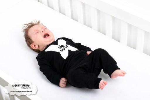 Finley 13 weken oud 3 maanden 1 week ontwikkeling groei kleding maat borstvoeding slapen ritme prikjes blog shoplog mama blog www.liefkleinwonder.nl middagslaapjes slapen pyjama