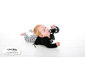 kraamcadeaus en cadeaus voor mama - houten speenkoorden & zo review mama blog foto's www.liefkleinwonder.nl speenkoord panter kralen siliconen hout zwart wit antraciet