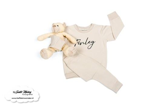 Little Adventure handgemaakte baby en kinderkleding nieuw collectie winter FInley Tripp Trapp stokke stoel sticker naamsticker review mama blog