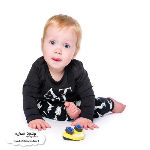 Finley 11 maanden oud mama blog www.liefkleinwonder.nl ontwikkeling tong uitsteken