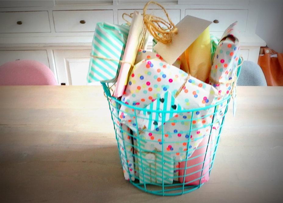 De kraammand – het perfecte cadeau – maar wat doe je er in?