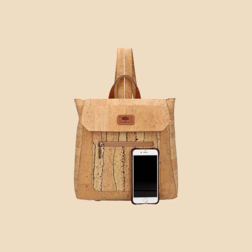 Sac à dos en liège modèle Oduna vue téléphone couleur naturel motifs liane