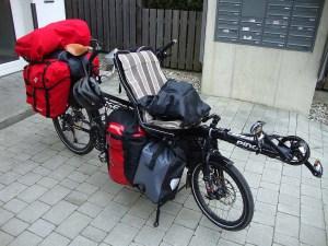 Tandem Hase Pino Fahrrad ist bereit