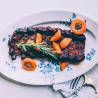 Aprikoosi-BBQ ribsit uunissa