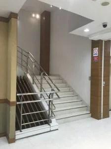 マルトモビル階段