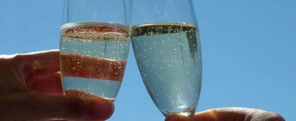 冷やして幸せ気分!夏はスパークリング・ワインで決まり!
