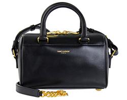 憧れのパリジェンヌに学ぶ!小さなバッグはシンプル美人への道?