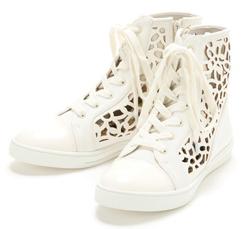 スニーカー,オシャレ,おすすめ,人気,かわいい,カッコイイ,履きやすい,美脚,、足長効果,歩きやすい