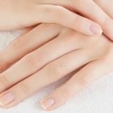 線・デコボコ…全て理由がある!爪の異常の原因と対策