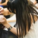 美容院にすっぴんで行くのはNG?美容師がすすめるサロンへ行くときのメイク・服装
