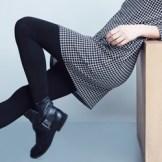 ショートブーツをはいた女性 サイドゴアブーツ特集♪