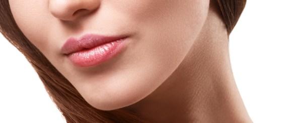 くすみのない唇