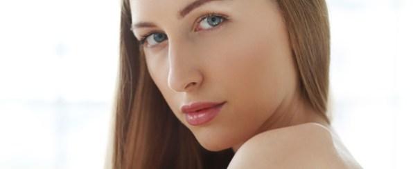 お肌のターンオーバーが乱れる原因とその症状とは