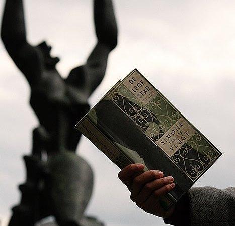 Boekbespreking over de Lege Stad van Simone van der Vlugt