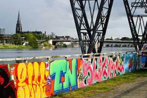 De voormalige Landbouwbelang fabriek nu hotspot vol graffiti