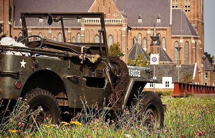 De jeep bij Cuijk