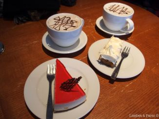 Hot chocolate, coffee and two delicious pies in Fruene