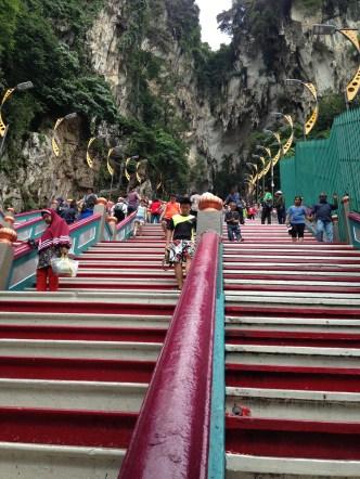 272 anak tangga