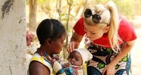 Nevaikiškas Zambijos vaikų gyvenimas