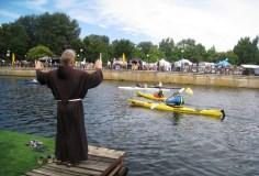 Nemunu prieš srovę plaukiantys baidarininkai atvyksta į Kauną