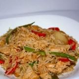 Kepti ryžiai su vištiena ir citrininiu padažu