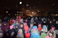"""Asociacija """"Eigulių aukuras"""" surengė nuotaikingą Kalėdų eglutės įžiebimo šventę"""