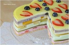 Želės ir varškės tortas su vaisiais