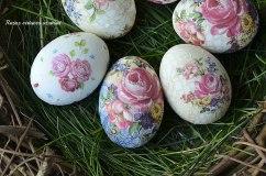 Velykiniai kiaušiniai, marginti dekupažo būdu