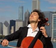 """Lietuvoje koncertuosiantis JAV violončelės virtuozas Ian Maksin: """"Klasika nuobodi tik tada, kai atliekama nuobodžiai"""""""