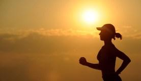 Ką svarbu žinoti sportuojantiems vasarą?