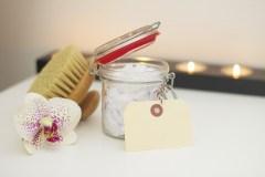 Kaip vasarą pasirūpinti savo oda namų sąlygomis?