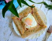 Lietiniai su kiaušiniu ir kumpiu