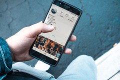 Jaunimas socialiniuose tinkluose: kodėl privatumas noriai išmainomas į patogumą?