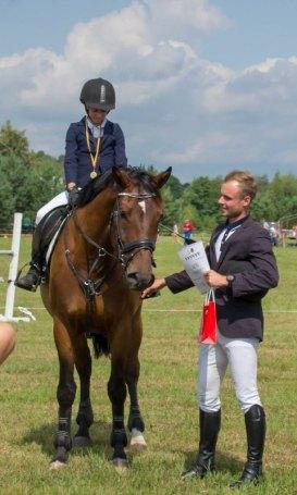 Džiaugsminga bendrystės su žirgu akimirka