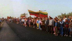 """Akcijos """"Darom"""" iniciatorius siūlo pakartoti Baltijos kelią"""