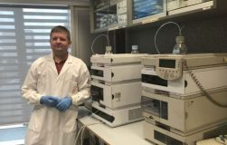 """Neuromokslininkas A. Burokas: """"Žarnyno mikroorganizmai – mūsų geriausi draugai visam gyvenimui"""""""