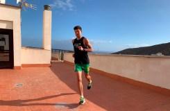 Lietuvos lengvaatlečio ryžtas: dešimtis kilometrų nubėga ant namo stogo