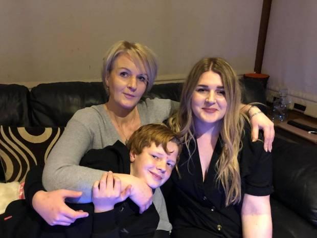 Solveiga Smith su vaikais Kamile ir Nojumi. Asmeninio albumo nuotr.