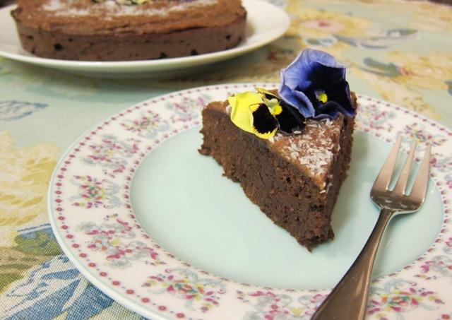 Chocolate Cake with Caramel Frosting (grain-free, gluten-free, sugar-free, dairy-free, Paleo)