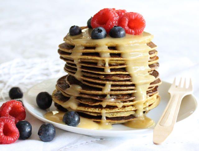 "Healthy ""Caramel"" & Banana Pancakes (gluten-free, grain-free, dairy-free)"
