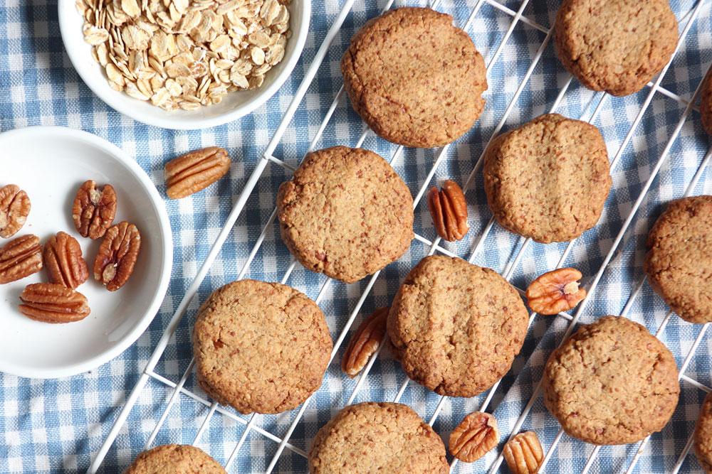 Pecan & Oat Shortbread Cookies (gluten-free, sugar-free, dairy-free)