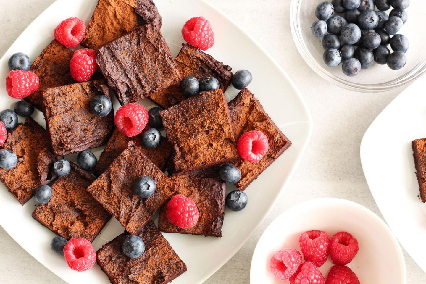 EPIC 4 INGREDIENT FLOURLESS BROWNIES (gluten-free, sugar-free, dairy-free)