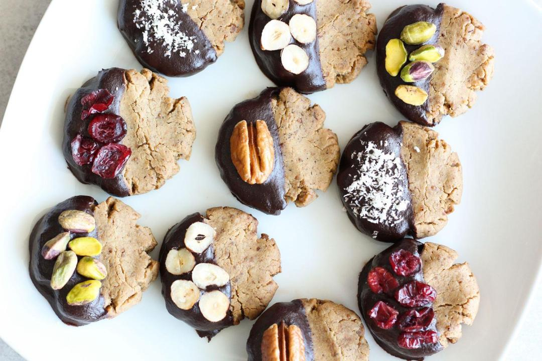 The Best Healthy Christmas Cookies (gluten-free, dairy-free, sugar-free)